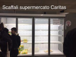 frigoriferi vuoti, celle frigorifere dei magazzini piene