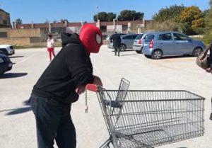 uomo_ragno-1584429577763.jpg--coronavirus__va_al_supermercato_con_la_maschera_di_spider_man